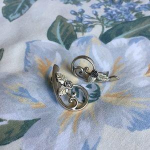 VTG. Genuine Silver Rose Swirl Vine Stud Earrings
